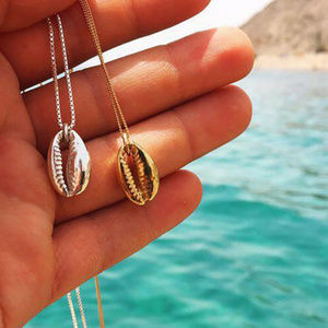 Jewelry - Gold Seashell Necklace